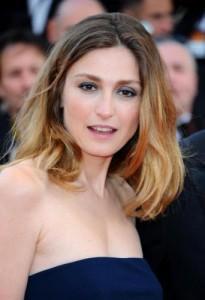 """Julie Gayet incinta, perse il figlio di Francois Hollande"", scrive la Bild"
