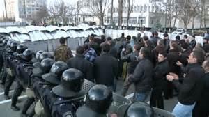 Scontri polizia dimostranti a Kiev