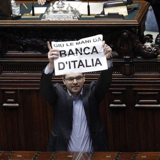 Decreto Imu-Bankitalia: sit-in M5s in aula durante le votazioni (foto)