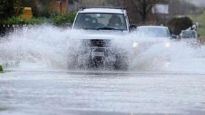 Maltempo: neve e mareggiate, ma l'allerta è per le pioggia