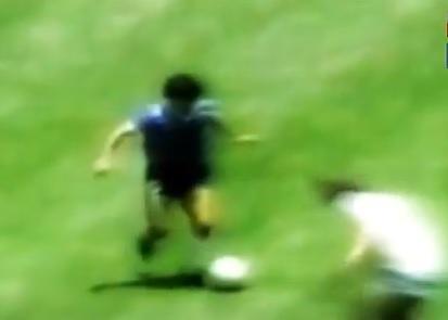 Maradona, spunta video inedito del gol del secolo