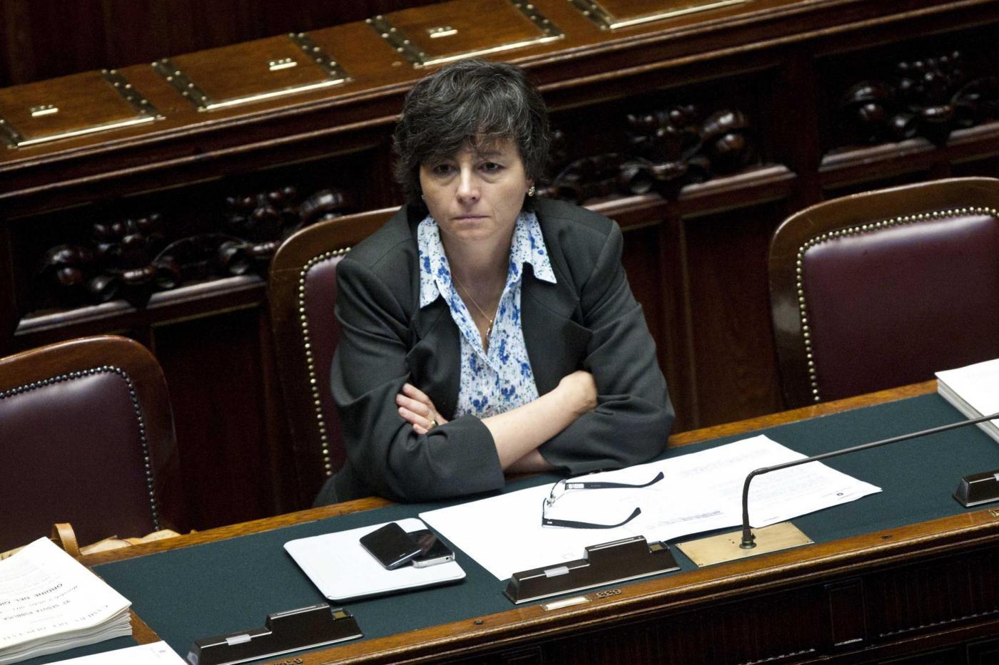 Scuola: stipendio professori tagliato di 150 euro, Carrozza contro Saccomanni