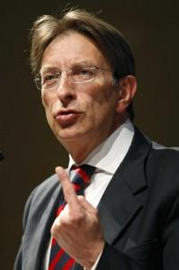 Il sindaco Massimo Cialente (foto LaPresse)