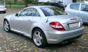 La ex moglie si compra la Mercedes? Niente assegno di mantenimento