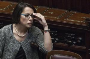 """Nunzia De Girolamo, ore contate. """"Inopportuna"""": anche Sc la scarica"""