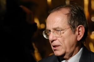 Istat, Pier Carlo Padoan designato dal Governo, bocciato dalla Commissione