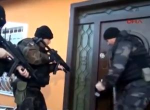 Turchia, le teste di cuoio fanno flop: la porta resta in piedi