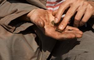 Oxfam: 85 persone possiedono metà ricchezza del mondo, 840 mln con 2$ al giorno