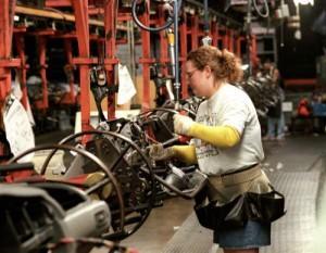Industria, produzione in picchiata: nel 2013 diminuita del 3,1%