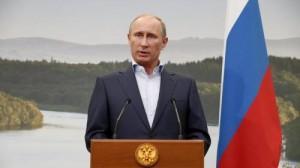 """Russia, Putin: """"Gay benvenuti se lasciano stare i bambini"""""""