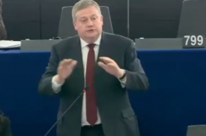 Marc Tarabella, l'eurodeputato socialista attacca Matteo Salvini
