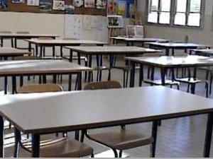 Scuola, 27mila insegnanti di sostegno. Ma l'assunzione è congelata