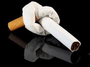 Sigarette, quanto devono costare? Triplicare le tasse salverebbe 200mln di vite