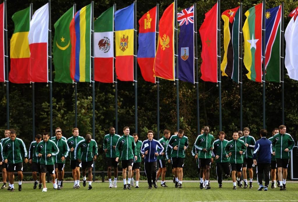 Mondiali, ecco le regole per gli arbitri: fuorigioco, trattenute, mani...