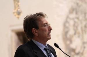 """L'Aquila, sindaco Cialente si dimette: """"Sotto attacco dai mezzi di informazione"""""""