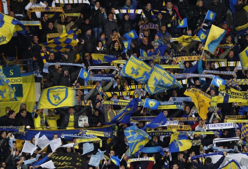 Bufera sul prefetto: «Tifo Roma, a Verona vado con la mazza in auto»