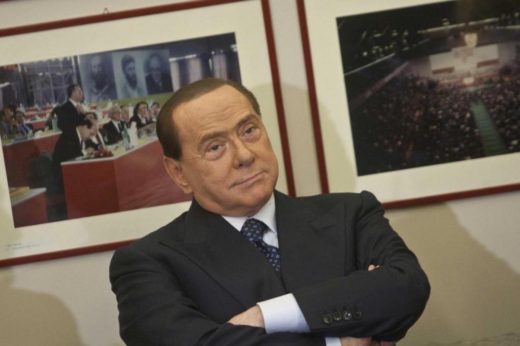 La spending review di Berlusconi: nel mirino case, Milan e Olgettine