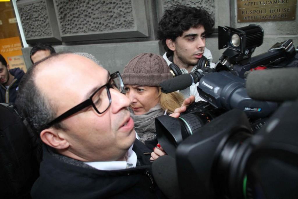 """Bonaccini contestato al Congresso Sel: """"Buffone"""""""