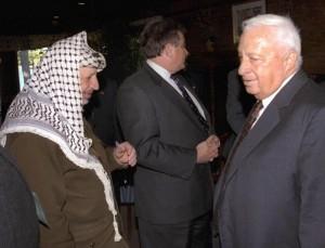 """Sharon, Netanyahu: """"Israele a lutto"""". Hamas: """"Criminale con mani sporche di sangue"""