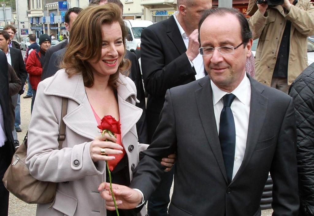 Hollande: Trierweiler, sparito account Twitter istituzionale