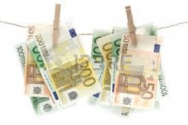 Lavare le banconote per risparmiare miliardi su carta e rifiuti