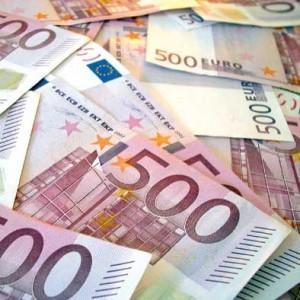 Prestiti, banche inavvicinabili: 4 italiani su 10 chiedono soldi ai genitori