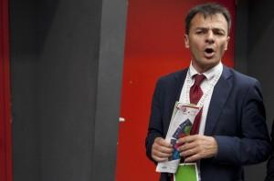 """Al Pd """"non serve un dittatore"""": Stefano Fassina di Matteo Renzi"""