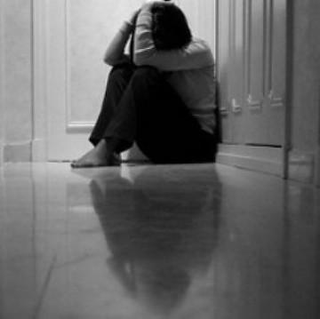 India, padre le impedisce di continuare gli studi. Ragazza si suicida