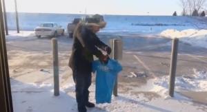 Usa, freddo record: in Iowa la maglietta si congela in un minuto