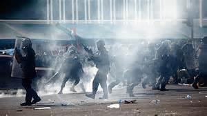 Bangkok, esercito contro oppositori governo