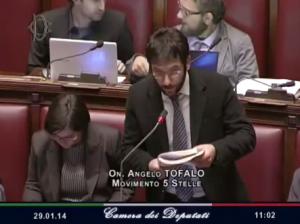 "Angelo Tofalo (M5s) urla in Aula ""Boia chi molla"""