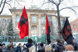 Dimostranti all'ambasciata Usa