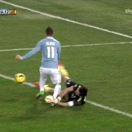 Video gol e pagelle, Lazio-Juventus 1-1 e Napoli-Chievo Verona 1-1 Klose e Buffon nella foto Ansa