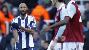 """Nicolas Anelka rischia 5 giornate di stop per la """"quenelle"""" contro il West Ham"""