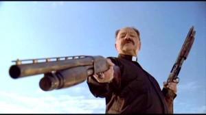 Un frame del film Machete