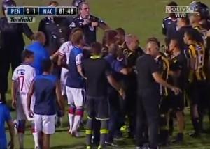 Penarol-Nacional, finisce in rissa il derby di Montevideo