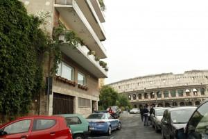 La casa regalata da Diego Anemone a Claudio Scajola in via dei Fagutale, vista Colosseo (LaPresse)