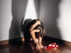Costrette a prostituirsi davanti ai figli: arrestate nove persone a Roma