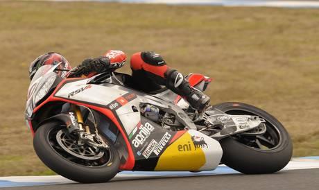 Superbike, a Phillip Island vincono Laverty (gara 1) e Guintoli (gara 2)