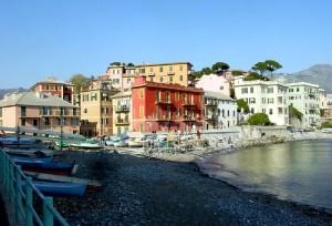Genova, divieto di fumo sulla spiaggia di Vernazzola