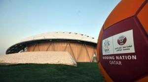 Mondiali in Qatar, 400 operai-schiavi nepalesi morti nei cantieri