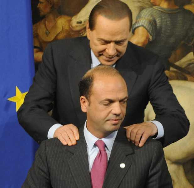 Berlusconi e Alfano insieme (foto Ansa)