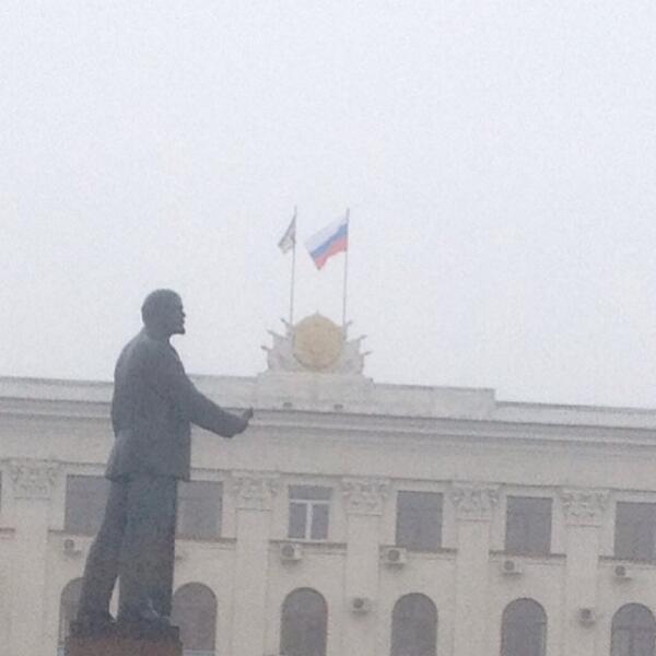 Ucraina, guerra di Crimea: a Simferopoli sventola la bandiera russa