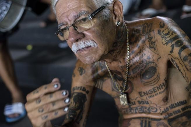Botafogo, un tifoso per la pelle: 69 anni e 83 tattoo