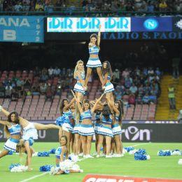 Napoli-Mughini, botta e risposta a sulle cheerleaders (Ansa)