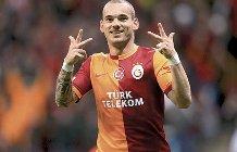 Vola il Galatasaray, spettacolo Sneijder che tripletta