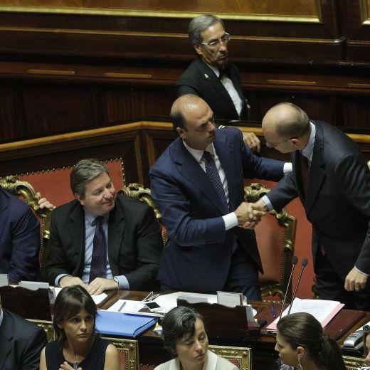Sondaggio Ipsos: governo Letta non piace più. Idea Renzi-Berlusconi nemmeno