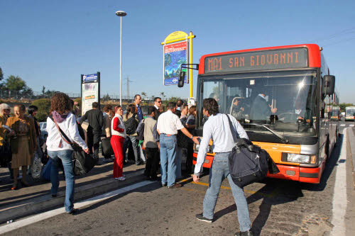 Roma, autobus delle periferie a rischio. Atac non paga, stipendi a rischio