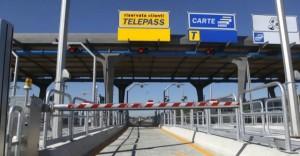Autostrade, da oggi gli sconti pendolari (max 50 km): la registrazione Telepass