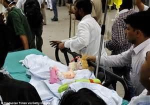 Bimba stuprata portata in ospedale